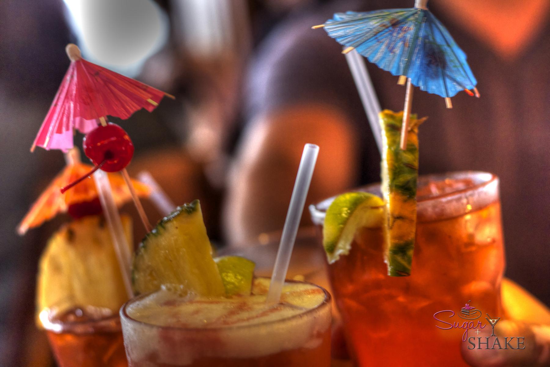 Drinks at La Mariana Sailing Club. © Sugar + Shake