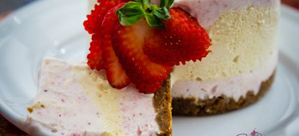 No-baking for a hot weekend: Strawberry & Honey No-Churn Ice Cream Cake. © 2014 Sugar + Shake