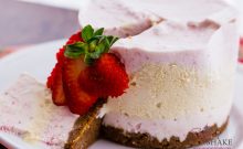Strawberries & Honey No-Churn Ice Cream Cake with Speculoos crust.